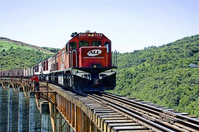 ferrovia_sobrevive_no_ritmo_de_carga_da_all