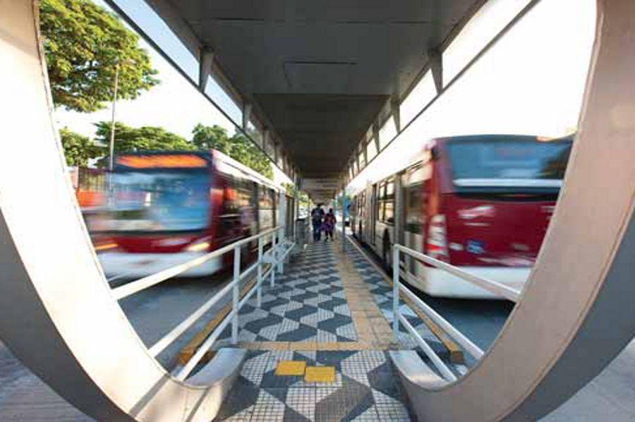 os corredores de ônibus foram esquecidos peal Prefeitura de SP