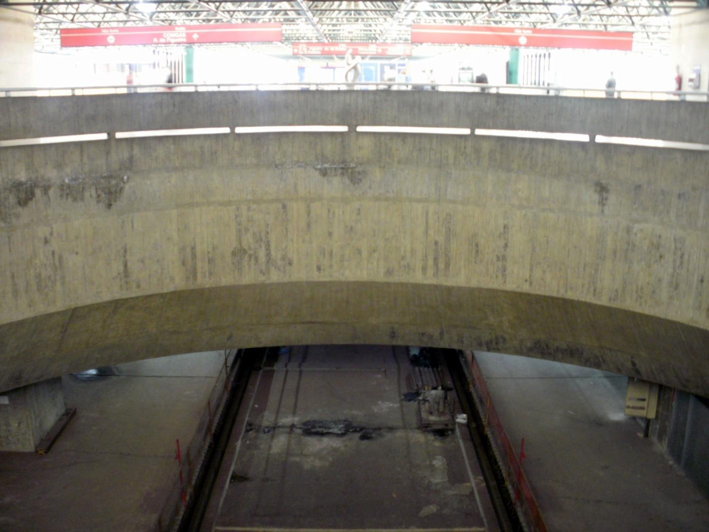 Figura 4, vista atual das plataformas não utilizadas da Estação Pedro II