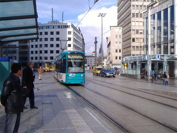 9) Frankfurt, Alemanha – US$ 3,24. Poder de compra: 76,1