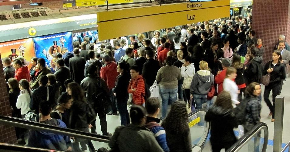 22jun2012-falha-em-trem-da-linha-4-amarela-do-metro-de-sao-paulo-apresentou-problemas-1340411559813_956x500
