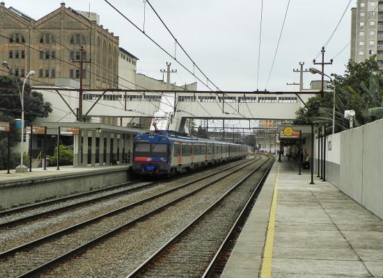 Reformas de estações em 3 linhas da CPTM tem atrasos