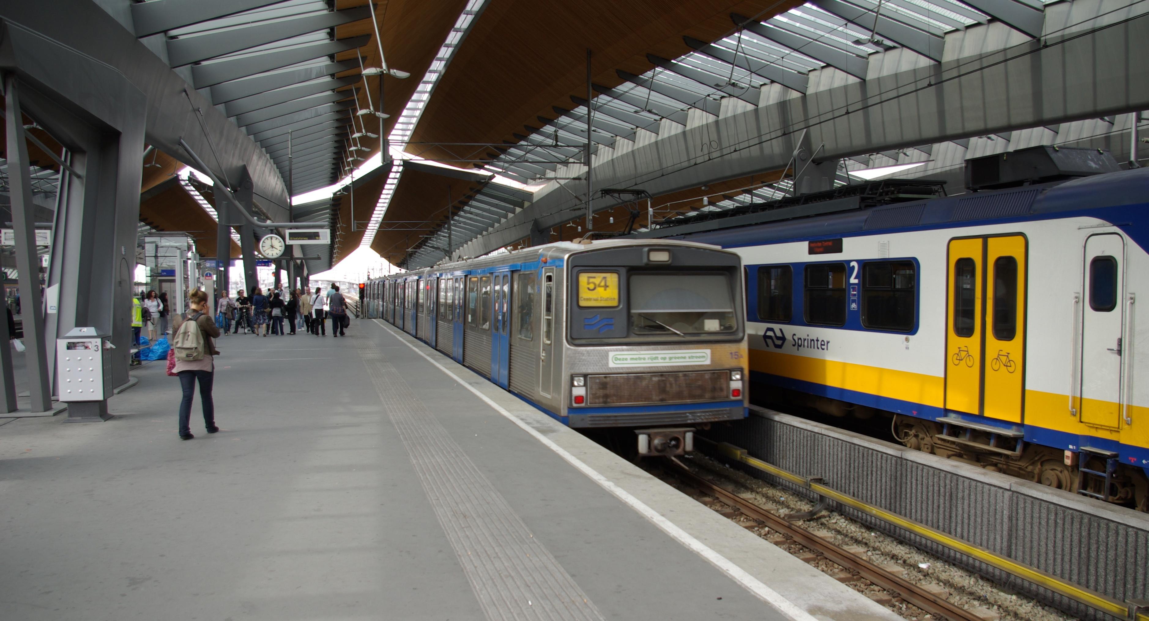 Amsterdam_Metro_LHB_M2_001