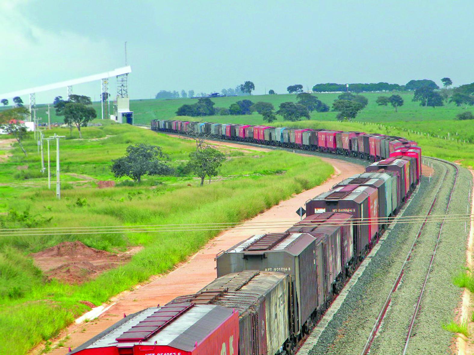 Ferrovia-all-realiza-carregamento-teste-de-graos-de-soja-em-itiquira1-02-05-12