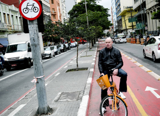 Ciclista dinamarquês diz que paulistano não respeita ciclovias