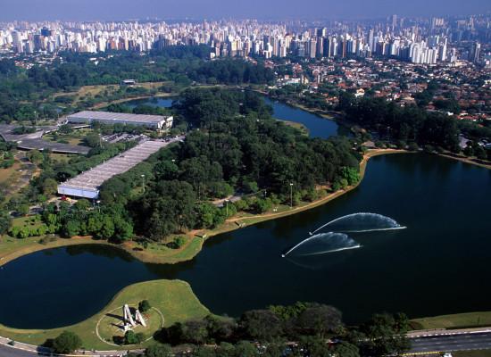 Como chegar ao parque do Ibirapuera de ônibus ou Metrô