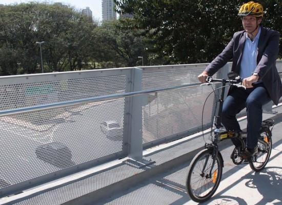Ciclistas tem novo acesso à ciclovia Rio Pinheiros com inauguração de ciclopassarela
