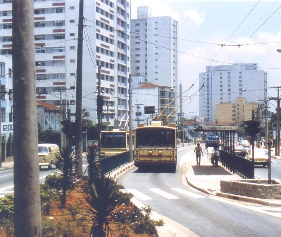 Trólebus na Avenida Paes de Barros