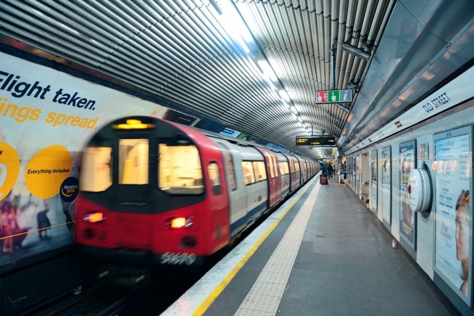 Metrô de Londres transporta três milhões de pessoas por dia