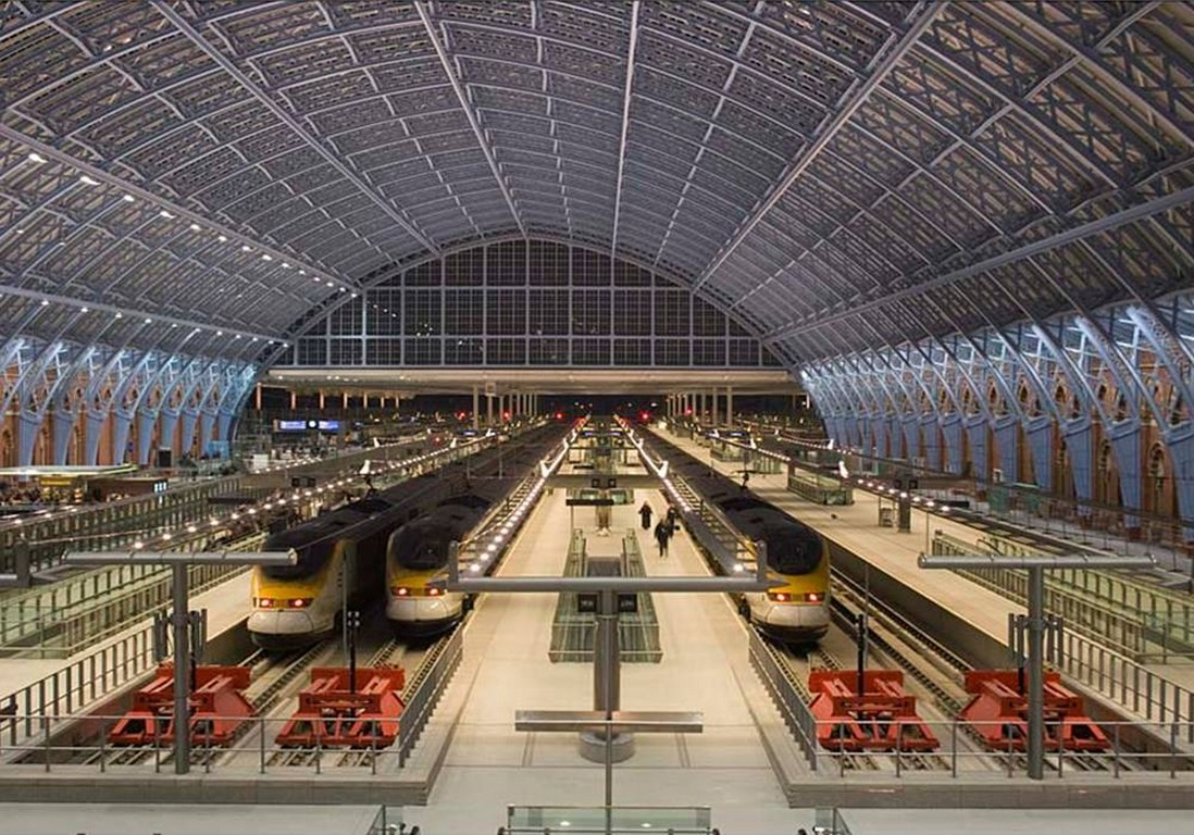 25. The 6 new Eurostar platforms within the renovated trainshed (credit Paul Childs)