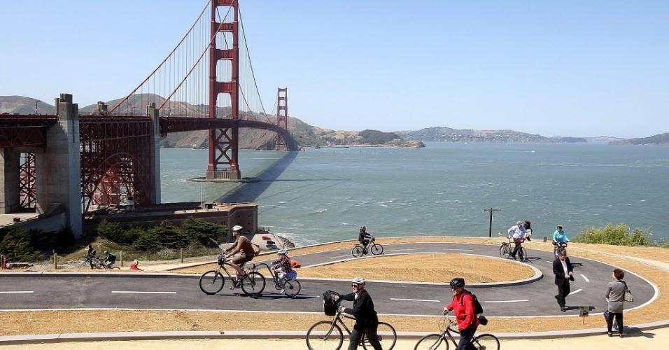 turistas-andam-de-bicicleta-na-recem-inaugurada-ciclovia-proxima-a-ponte-golden-gate-em-san-francisco-1337965827881_956x500