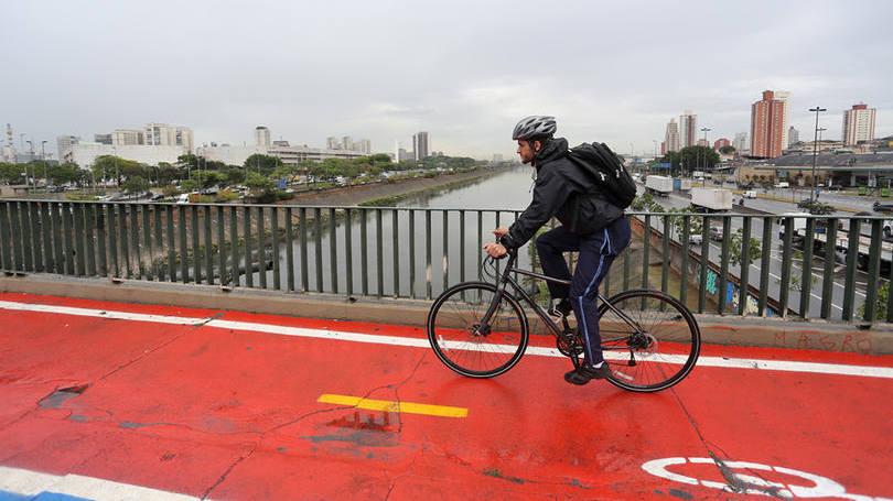 size_810_16_9_ciclista-em-sao-paulo