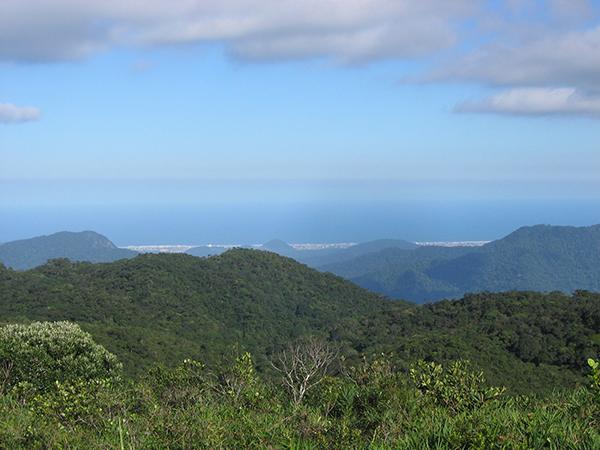 Vista do litoral de Itanhaém e Mongaguá, em Paralheiros