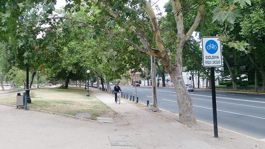 Ciclovia próxima ao parque das Esculturas