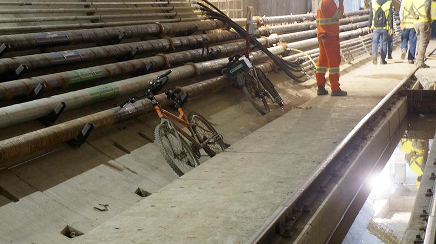 Bicicletas usados por colaboradores para se deslocarem entre as estações   Foto: Renato Lobo