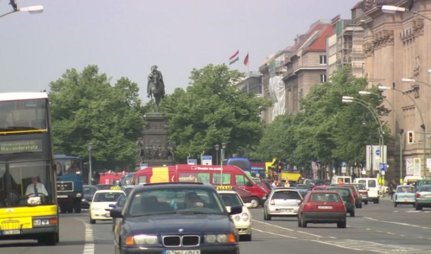 789860001-frederick-ii-unter-den-linden-equestrian-statue-public-service-bus