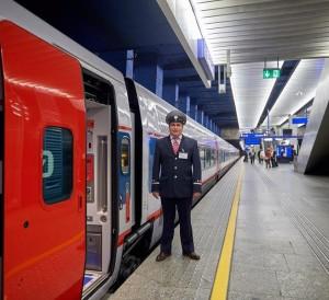 tn_ru-talgo-in-warszawa-conductor
