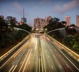 movimento-avenida-23-de-maio-dia-mundial-sem-carro-foto-robson-fernandjes-fotos-publicas201409220005