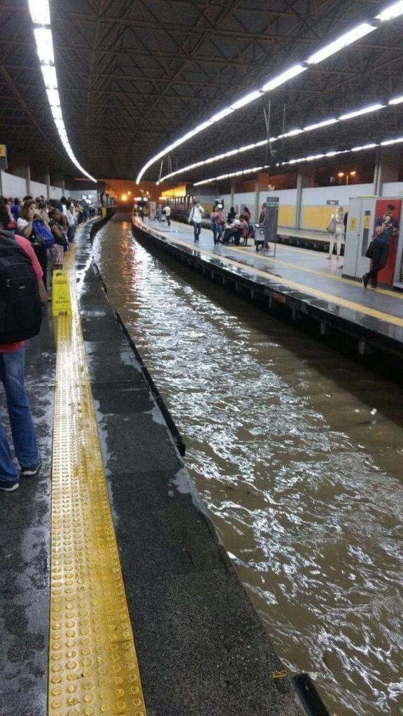 Foto: Estação Pavuna   Imagem de @danilo_sanches no twitter