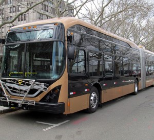 byd_k11_articulated_bus_at_mit_march_2016