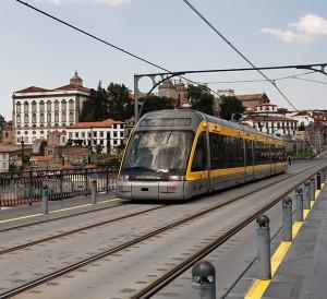 Oporto_-_Metro_de_Porto_-_20110425_132445