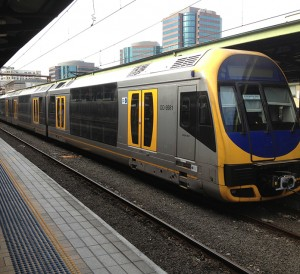 Sydney_Trains_H_set_(Oscar)_at_Central_Stations