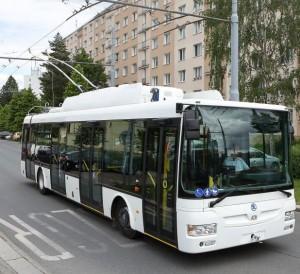 tn_cz-pardubice_skoda_trolleybus