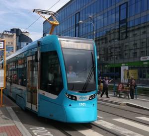 tn_cz-ostrava_stadler_tram_in_service