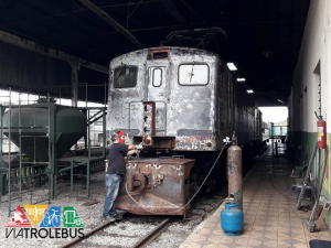 Locomotiva Loba em restauro