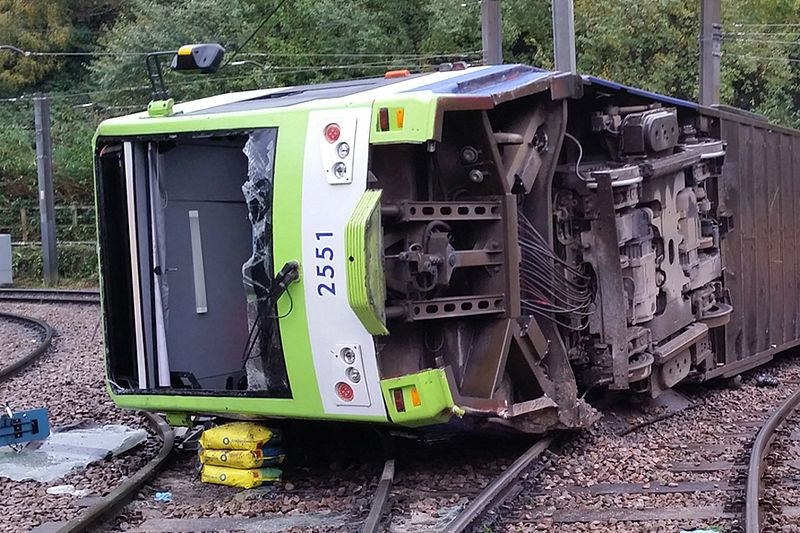 Sandilands_Junction_derailed_tram