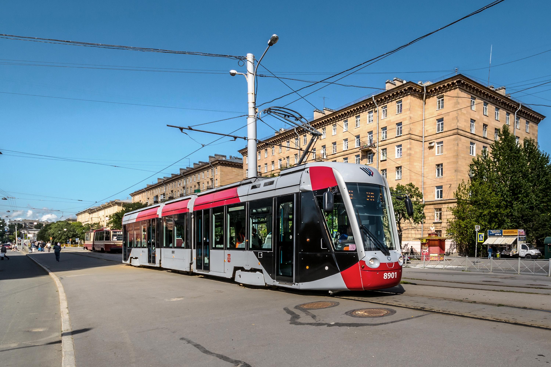 Tram_Alstom_Citadis_301_CIS_in_SPB